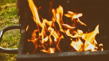 Sjunka in i elden